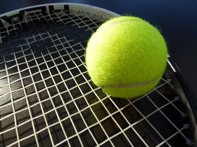 De prof tennisser die geen bal meer kan raken..